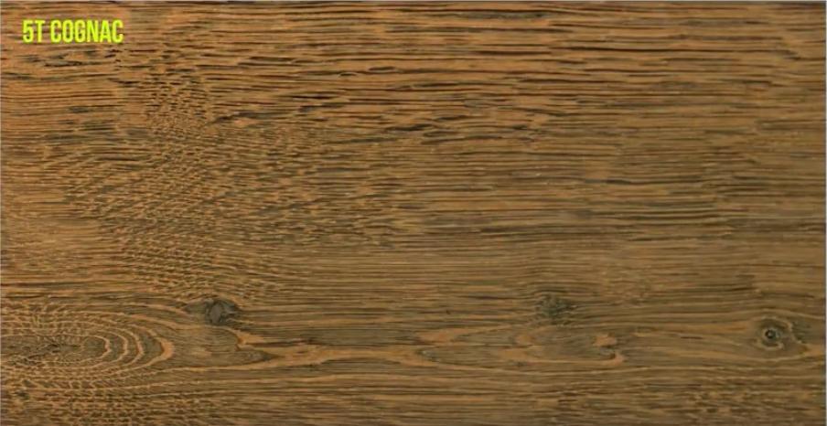 Oxidado madera de roble en color coñac